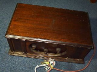 ANTIQUE WOODEN KING AM SHORT WAVE RADIO BATTERY PWRD