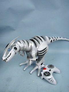 2005 WowWee Wow Wee Roboraptor White Remote Control Dinosaur Toy