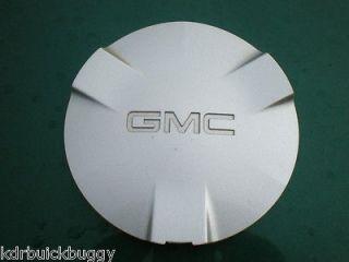 2002   2003 GMC Envoy XL Silver OEM Center Cap P/N 9593388