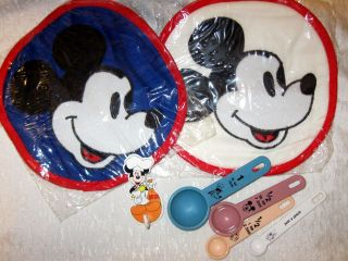 Disney lot kitchen items collectible Mickey Mouse pot holders & more