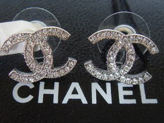 AUTHENTIC BRAND NEW 2012 SILVER CHANEL CC LOGO CRYSTAL EARRINGS