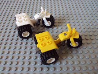 Lego Minifig ~ Lot Of 2 ATV Motorcycles / 3 Wheeler Trike #cvrgq