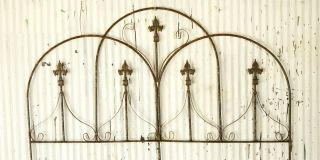 Wrought Iron Decorative Dome Fence Garden Border , Trellis for Flowers