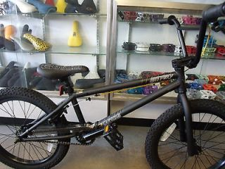 EASTERN BIKES BATTERY MATTE BLACK 2013 BMX BIKE  2 FREE BMX POSTERS