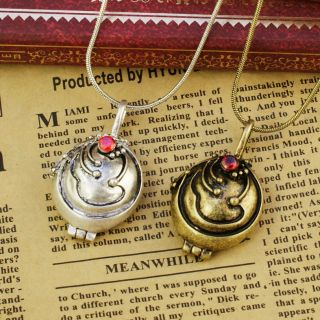 vampire diaries elena necklace in Necklaces & Pendants