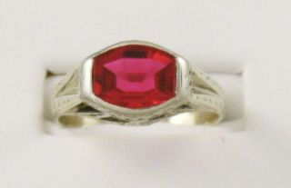 Estate Mens Art Deco 14K Yellow Gold Engraved Ruby Ring