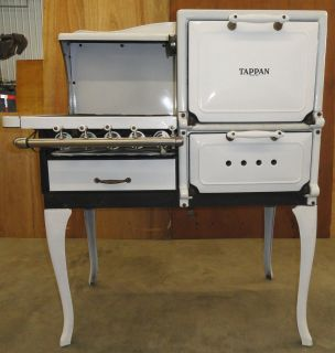 THE TAPPAN STOVE CO MANSFIELD OH STYLE P 526 RT WHITE GAS STOVE/OVEN