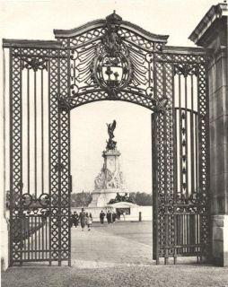 BUCKINGHAM PALACEGates wrought iron 1913 restoration; vintage print