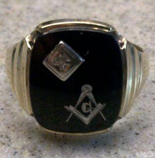 Vintage Diamond and Onyx 10K Gold Masonic Ring