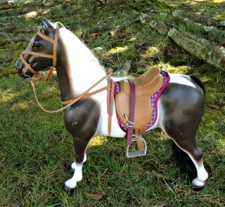 BATTAT AMERICAN GIRL DOLL PINTO HORSE FULLY TACTED, SADDLE, BLANKET