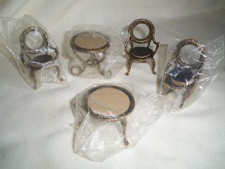 Metal Chair   Dollhouse Miniature Furniture