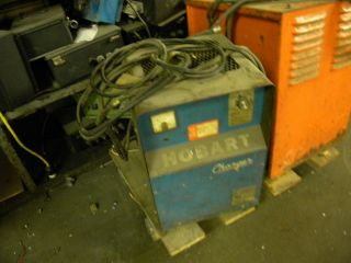 Battery Charger forklift lift truck towmotor 45v Hobart 1r18 225