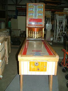 CHICAGO COIN MACHINE CO Thunderbolt ARCADE BOWLING MACHINE BOWLER GAME