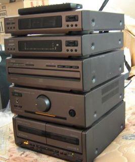 DENON D 700 COMPACT STEREO SYSTEM w/REMOTE