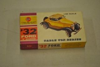 Vintage* Pyro 1932 Ford B Roadster 1/32 Scale Model Car