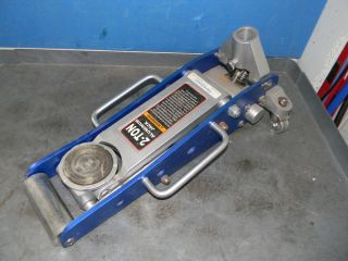 WS MH JACK1 11​2 2 ton cap 17 3/4 max height Low Profile Floor Jack