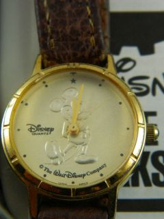 mickey mouse lorus watch in Jewelry & Watches
