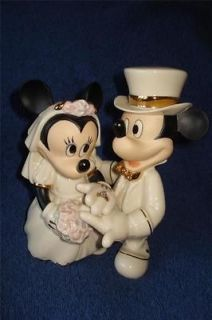 Lenox Disney Mickey Mouse and Minnies Dream wedding cake topper 24