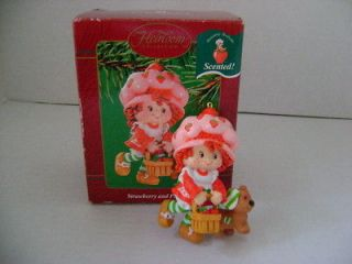 VINTAGE CARLTON CARDS STRAWBERRY SHORTCAKE & PUPCAKE SCENTED ORNAMENT