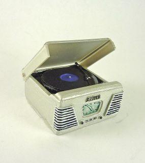 Dollhouse Miniature Retro Turntable Record Player, Silver