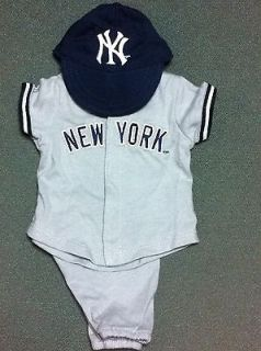 TODAY AMERICAN GIRL NEW YORK YANKEE HOME UNIFORM FOR DOLL RETIRED