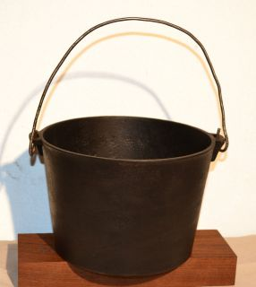 Vintage/Antique Pre 1870 Cast Iron Kettle w/Casting Gatemark