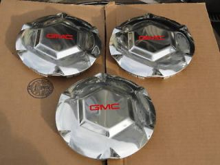 02 06 GMC ENVOY 17 6 SPOKE WHEEL CENTER CAPS, 3 CAPS