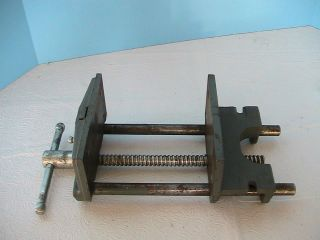 COLUMBIAN CAST WOODWORKERS BENCH VISE, #6CDM2, 6 JAWS, 7 1/2 OPENING