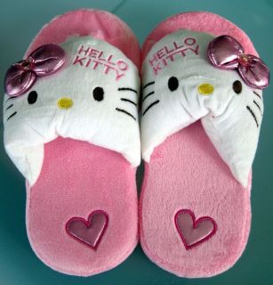 Hello Kitty Slippers Pink White Warm and Fuzzy Woman Size 6 7 NEW