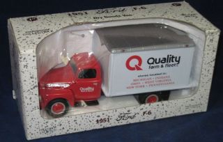 FIRST GEAR DIE CAST MODEL TRUCK   #18 1260   QUALITY FARM & FLEET
