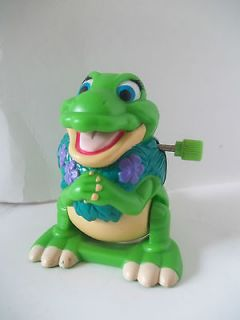 BEFORE TIME Wind Up Flipping FIGURE Duckie Dinosaur BURGER KING TOY