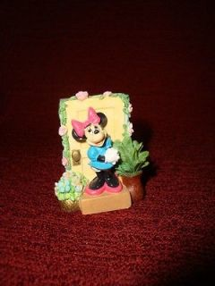 minnie mouse figurines in Minnie Mouse
