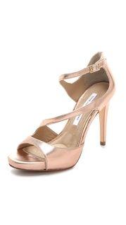 KORS Michael Kors Zen Toe Ring Flat Sandals