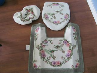 Newly listed 3 piece bathroom set Rug, Toilet sit cover and Tank Cover