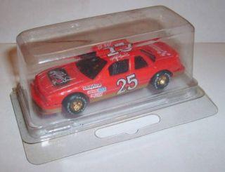 Race Club Hendrick Motorsports #25 Chevy NASCAR 1/64 Diecast 1990