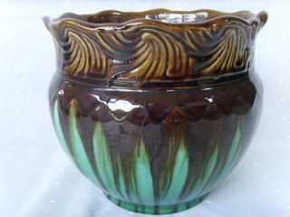 petite weller a v pattern art pottery jardiniere 6¾ h