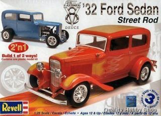 Revell 1/25 scale 1932 Ford Sedan Street Rod skill 3 plastic model kit