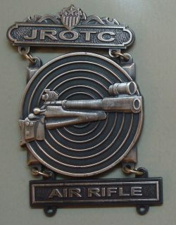 ARMY JUNIOR ROTC MARKSMANSHIP BADGE, WITH AIR RIFLE BAR,2.75 INCHES