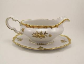 Weimar German Porcelain Katharina 17010 Gravy Boat White Gold Roses