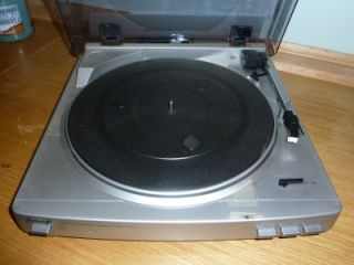 AIWA TURNTABLE STEREO SYSTEM MODEL PX E860 AUTOMATIC TURNTABLE