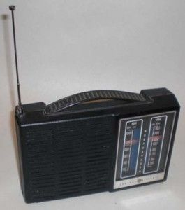 Vintage General Electric AM FM Transistor Battery Electric Radio