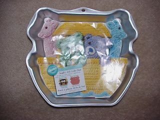 Wilton Noahs Ark Animal Birthday Cake Pan with Insert 2105 2086