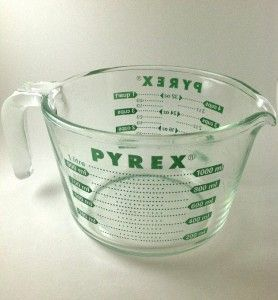 Vintage Pyrex Measuring Cup RARE Green 4 Cups 32 oz 1 Qt Glass Bowl