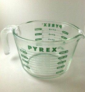 Vintage Pyrex Measuring Cup RARE Green 4 Cups 32 oz 1 Qt Glass Bowl