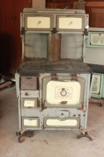 ANTIQUE HOME COMFORT WOOD COOK STOVE WROUGHT IRON RANGE COMPANY