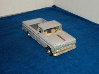 Vintage AMT 1962 Chevy Apache Pick Up Truck 1 25 Scale Built Model Kit