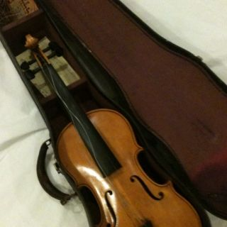 Beautiful Antonio Stradivarius copy 1722 Italian Violin. Very Nice