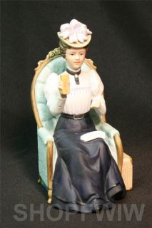 Avon 1982 Mrs Albee Award Porcelain Presidents Club Figurine