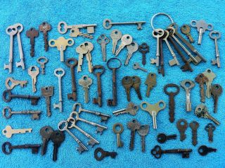 Huge Lot of Antique Skeleton Keys and Other Vintage Keys