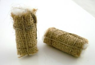 New Dolls House Miniature Shop Accessory Two Cotton Bales 1063